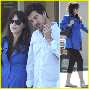 Pregnant Zooey Deschanel Grabs Lunch With Her Fiance