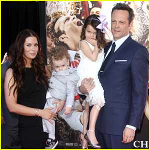 Vince Vaughn's Wife & Kids Support Him at Handprint Ceremony!