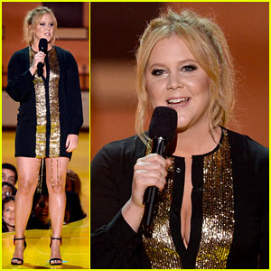 Amy Schumer Opens MTV Movie Awards 2015 with Hilarious Monologue! (Video)