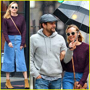 Diane Kruger & Joshua Jackson Brave the NYC Rain