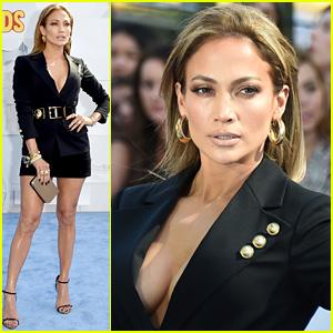 Jennifer Lopez Looks Hot Hot Hot at the MTV Movie Awards 2015
