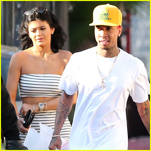 Kylie Jenner Ditches Blue Hair, Steps Out with Tyga!