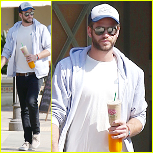 Liam Hemsworth's 90s Haircut Gets The Web Buzzing - See the Tweets!