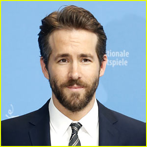 Ryan Reynolds Hit By Paparazzo's Car While Walking