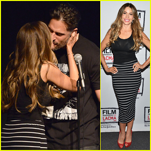 Sofia Vergara & Joe Manganiello Share Sweet Kiss at LACMA Live Read of 'Major League'!