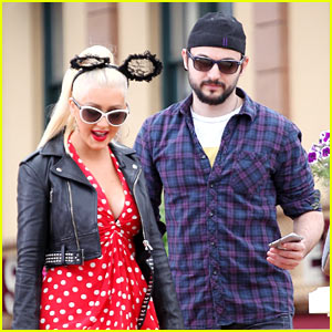 Christina Aguilera Does 'The Voice' Finale Promo at Disney!