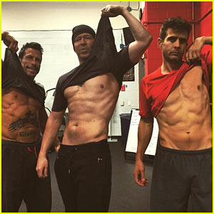 New Kids On the Block Guys Lift Shirts & Reveal Six Pack Abs