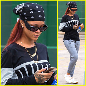 Rihanna Steps Out Before 'Saturday Night Live'