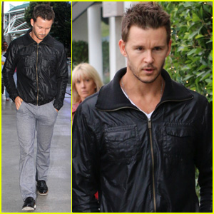 Ryan Kwanten Makes a Rare Appearance at the Clippers Game