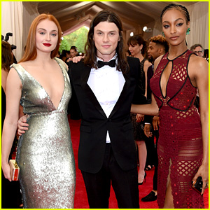 Sophie Turner & Jourdan Dunn Bring Burberry to Met Gala 2015