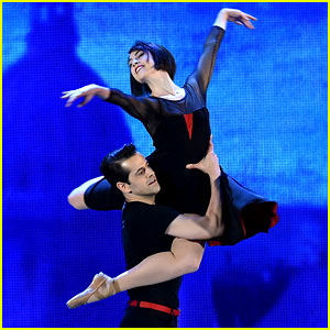 'An American in Paris' Stars Perform Beautiful Ballet at Tony Awards 2015! (Video)