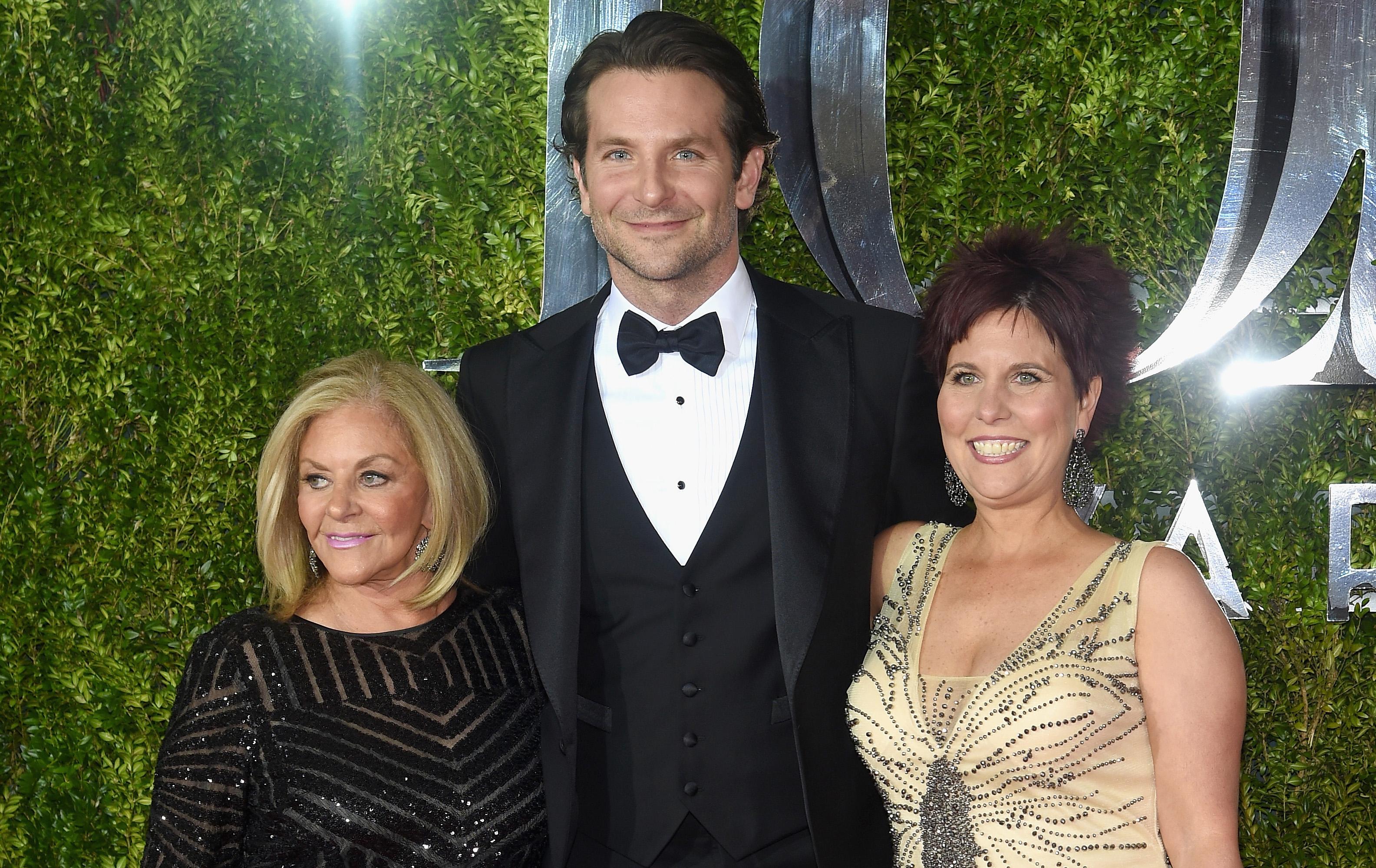 Bradley Cooper & Patricia Clarkson Represent 'Elephant Man ...