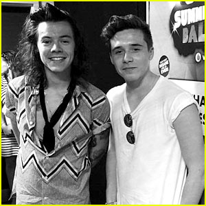 Brooklyn Beckham Hangs with One Direction Guys, Sends Hearts a Flutter