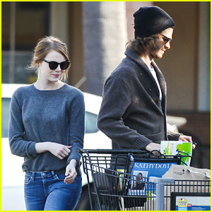 Andrew Garfield Turns Back On Cameras While Grocery Shopping With Emma Stone