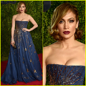 Jennifer Lopez Is a Shooting Star at the Tony Awards 2015