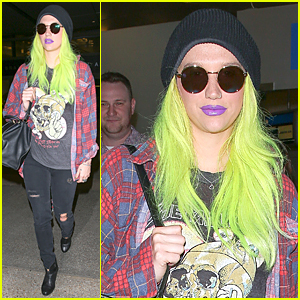 Kesha Likes to Be a 'Grungy Kitty' at LAX Airport