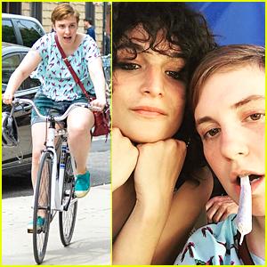 Lena Dunham Smokes Fake Joint on 'Girls' Set