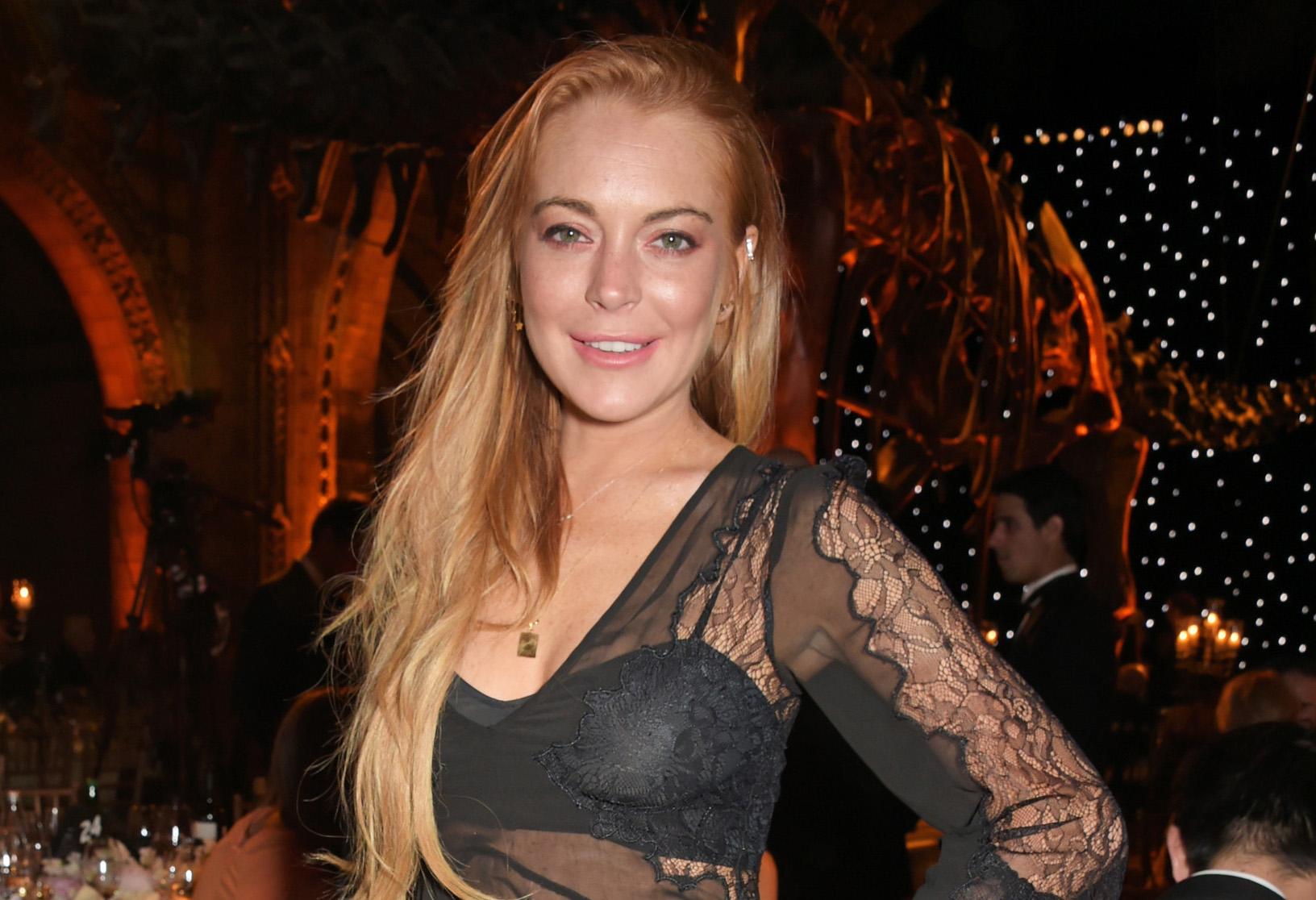 Does not Lindsay lohan flash