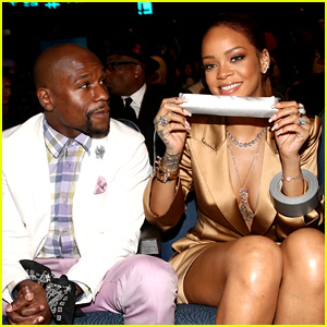 Rihanna Duct Tapes Floyd Mayweather's Mouth Shut at BET Awards 2015! (Video)