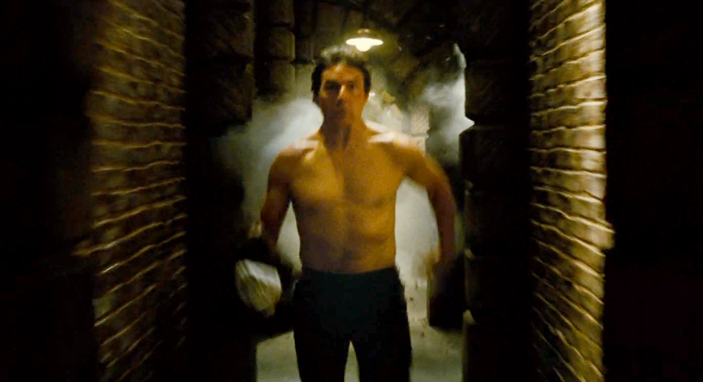 Tom Cruise Goes Shirtless, Runs for His Life in New ...
