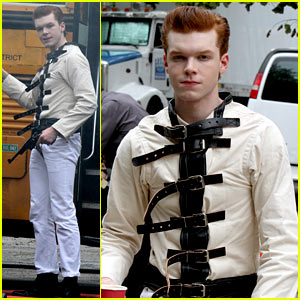Cameron Monaghan Pictured as The Joker on 'Gotham' Set!