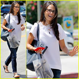 Jordana Brewster Returns Home After Family Vacation in Mexico!