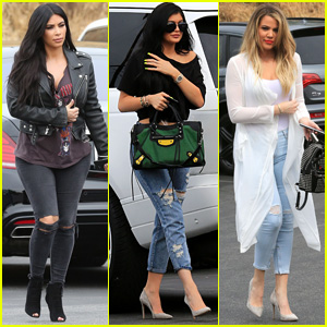 Kim Kardashian & Sisters Enjoy Family Bowling for 'KUWTK'