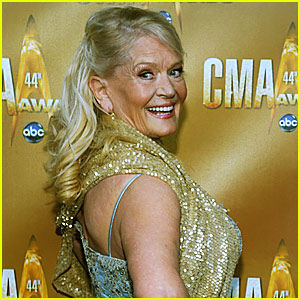 Country Star Lynn Anderson Dead at 67