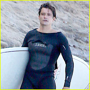 Orlando Bloom Wears Skin-Tight Wetsuit for Surf Session!