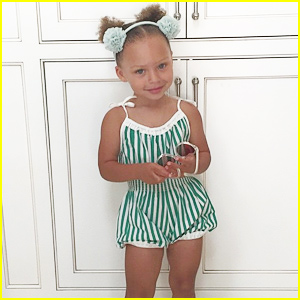 Riley Curry Celebrates 3rd Birthday By Dancing to 'Whip/Nae Nae'! (Video)