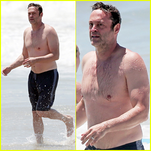 Vince Vaughn Hits The Beach & Goes Shirtless!