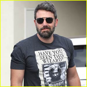 Ben Affleck Continues to Wear Wedding Ring While Shopping