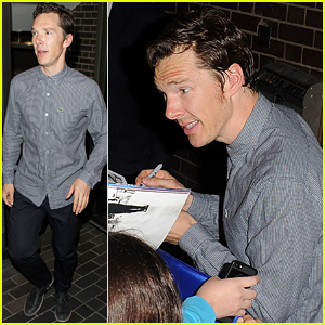 Benedict Cumberbatch Signs Autographs For Tons of Fans at 'Hamlet'