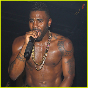 Jason Derulo Shows Off Six Pack At Argyle Concert in Hollywood