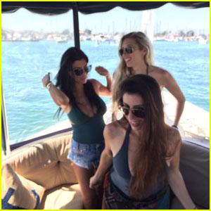 Kourtney Kardashian Posts Sexy Swimsuit Photo on Boat