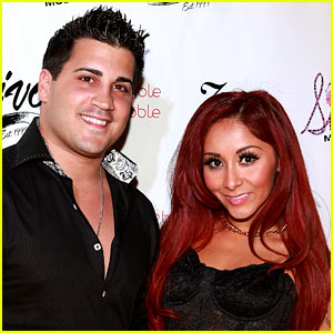 Snooki Slams Rumors That Her Husband Used Ashley Madison