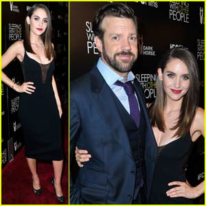 Alison Brie & Jason Sudeikis Bring 'Sleeping With Other People' to Hollywood