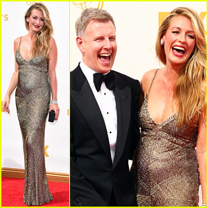 Pregnant Cat Deeley Displays Baby Bump at Emmys 2015