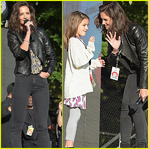 Katie Holmes Brings Daughter Suri Cruise to Global Citizen Festival 2015
