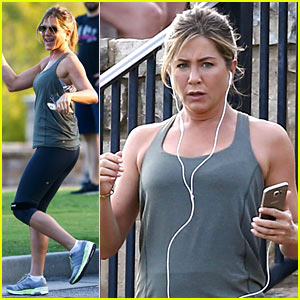 Jennifer Aniston Works Up a Sweat on 'Mother's Day' Set