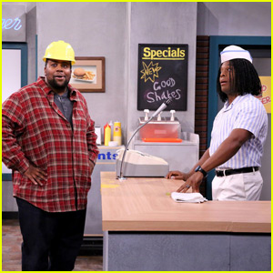 'Kenan & Kel' Reunite on 'The Tonight Show' for Epic 'Good Burger' Sketch - Watch Now!