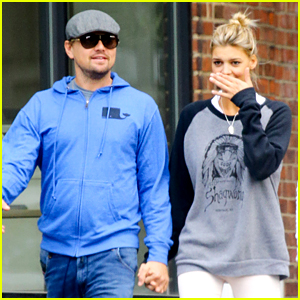 Leonardo DiCaprio & Girlfriend Kelly Rohrbach Openly Hold Hands in Big Apple!