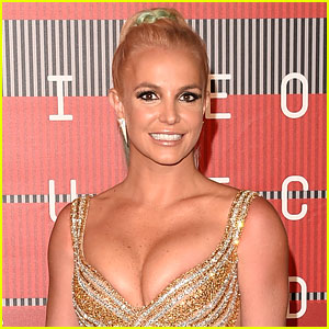 Britney Spears Suffers Wardrobe Malfunction, Keeps Performing Like a Pro! (Video)