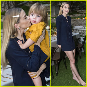 Jaime King Hosts 'Feastgiving' Dinner at Her Home!