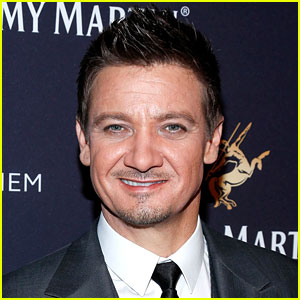 Jeremy Renner's Rep Clarifies His Wage Equality Comments