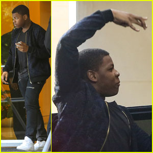 Star Wars' John Boyega Uses The Force In Public