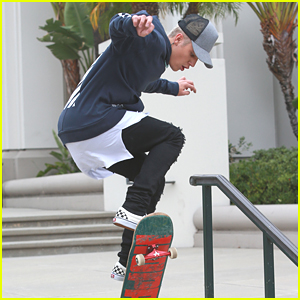 Justin Bieber Skateboards In Los Angeles Before Tweet Spree