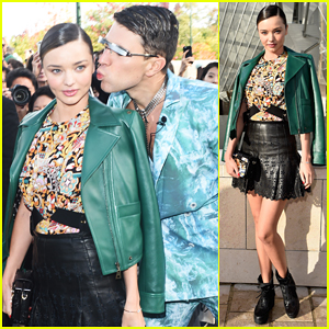 Miranda Kerr Gets Photobombed By Prankster Vitalii Sediuk At Louis Vuitton Fashion Show