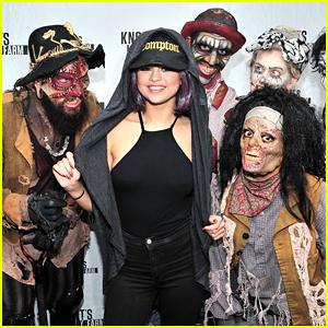 Selena Gomez Gets Her Fright On At Knott's Scary Farm