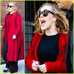 Adele Looks So Excited to Sign Copies of New Album '25'!